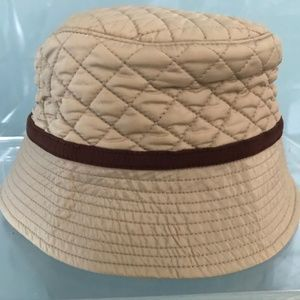 Land's End Bucket Primaloft Quilted Packable Hat.